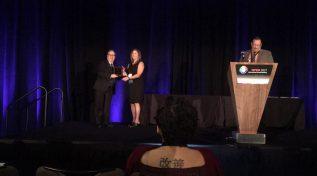 Dr. Elías Apud recibe reconocimiento en Estados Unidos por su trayectoria en Ergonomía